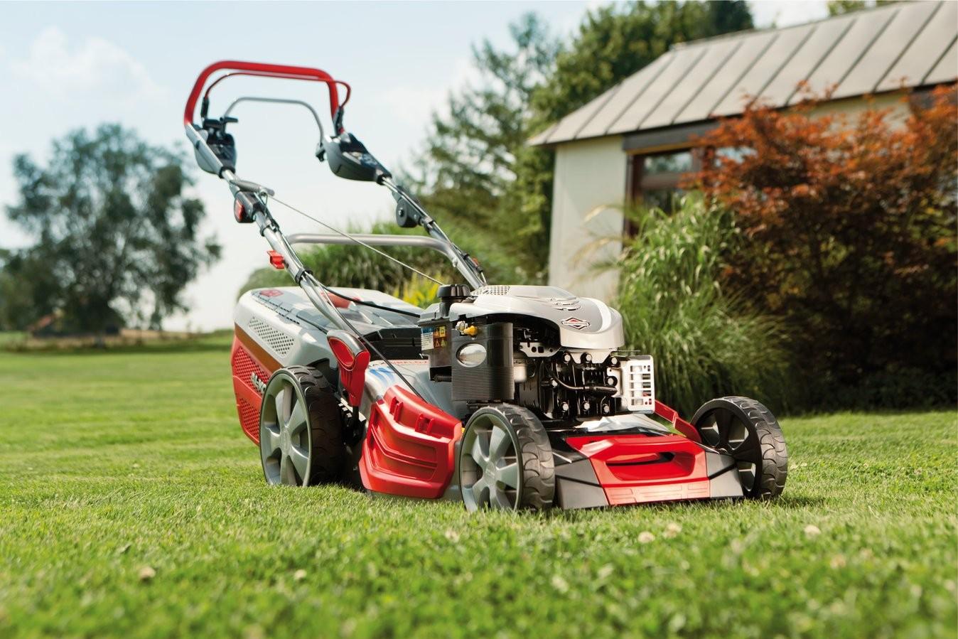 Нужно ли мульчирование травы газонокосилкой?